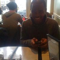 รูปภาพถ่ายที่ Utopia Cafe & Grill โดย Mike F. เมื่อ 12/20/2010