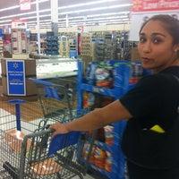 Photo prise au Walmart Supercenter par Brian S. le9/11/2012