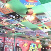 รูปภาพถ่ายที่ Tijuana Flats โดย Ece A. เมื่อ 12/9/2011