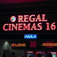Foto tirada no(a) Regal Cinemas Red Rock 16 & IMAX por Demont D. em 10/29/2011