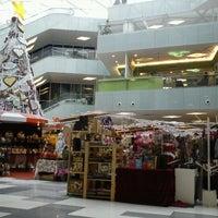 รูปภาพถ่ายที่ 1 Mont Kiara Mall โดย Reefa J. เมื่อ 11/30/2011