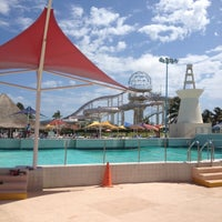 Photo prise au Wet 'n Wild par Jerry M. le4/28/2012