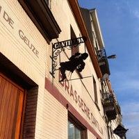 Foto scattata a Brasserie Cantillon Brouwerij da Dariusz A. il 10/4/2011