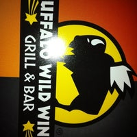 Foto tomada en Buffalo Wild Wings por Michael W. el 1/4/2011