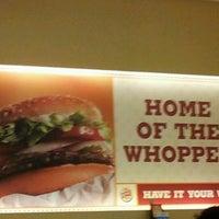 Foto scattata a Burger King da Azuwan R. il 3/11/2012