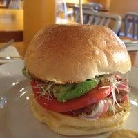 Foto tirada no(a) Park Place Bar & Grill por Vanessa R. em 7/5/2012