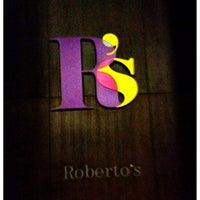 รูปภาพถ่ายที่ Roberto's โดย Faris K. เมื่อ 6/24/2012