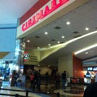 Foto tirada no(a) Cinemark por Bárbara E. em 4/19/2012