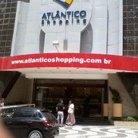 Foto tirada no(a) Atlântico Shopping por Maira S. em 1/19/2012