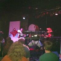 Das Foto wurde bei The Door von Korin M. am 8/11/2012 aufgenommen