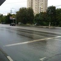 Foto tirada no(a) Остановка Калибровская Ул. por Сережа em 7/19/2012
