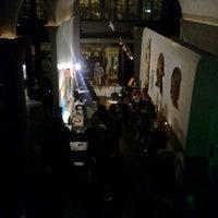 3/29/2012 tarihinde Bobby S.ziyaretçi tarafından Era Art Bar & Lounge'de çekilen fotoğraf