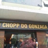 รูปภาพถ่ายที่ Ao Chopp do Gonzaga โดย Juca D. เมื่อ 3/24/2012