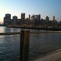 Foto tomada en Brooklyn Bridge Park - Pier 6 por Jeanette C. el 3/18/2012