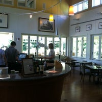 Foto diambil di Duckhorn Vineyards oleh DeGustibus pada 4/30/2012