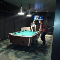 Das Foto wurde bei Blackhawk Bowl / Martini Lounge von Jim J. am 7/8/2012 aufgenommen