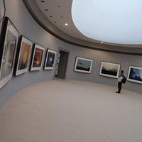 รูปภาพถ่ายที่ Musée de l'Orangerie โดย Pascal T. เมื่อ 8/26/2012
