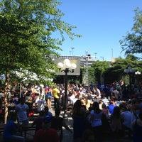 Das Foto wurde bei The Garden at Studio Square von Manny L. am 6/16/2012 aufgenommen