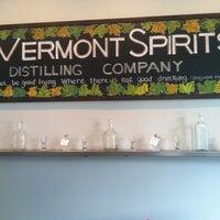 รูปภาพถ่ายที่ Vermont Spirits Distillery โดย Andrea C. เมื่อ 7/4/2012