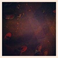 Das Foto wurde bei Toast Bar von thies a. am 5/30/2012 aufgenommen