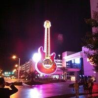Das Foto wurde bei Hard Rock Hotel & Casino Biloxi von Ashley K. am 5/5/2012 aufgenommen