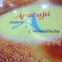 Foto tirada no(a) Aracajú Padaria e Confeitaria por Guilherme M. em 5/15/2012
