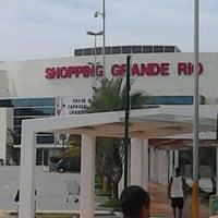 Foto tirada no(a) Shopping Grande Rio por Mauro A. em 2/21/2012
