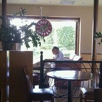 Foto tirada no(a) Costa Coffee por Georgos T. em 10/10/2011