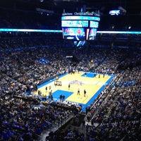Foto tirada no(a) Chesapeake Energy Arena por Michael P. em 4/14/2012
