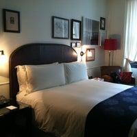 รูปภาพถ่ายที่ The NoMad Hotel โดย Laura P. เมื่อ 4/25/2012