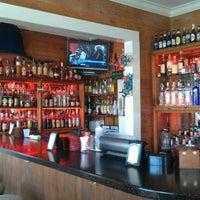 Foto tirada no(a) Rum Bar at the Speakeasy Inn por Bahama Bob L. em 8/12/2012