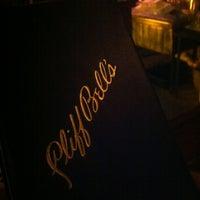Photo prise au Cliff Bell's par Scoop S. le3/30/2012