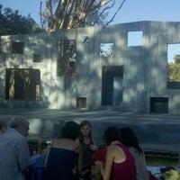Foto scattata a Griffith Park Free Shakespeare Festival da Jacqueline e. il 7/16/2012
