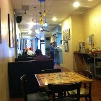 Photo prise au New World Coffee House par Ann P. le3/16/2011