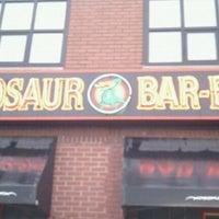 Foto diambil di Dinosaur Bar-B-Que oleh Seth C. B. pada 9/29/2011