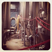 Das Foto wurde bei Bootlegger's Brewery von HopHeadJim am 3/10/2012 aufgenommen