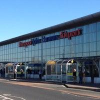 Foto tirada no(a) Liverpool John Lennon Airport (LPL) por Steve M. em 3/26/2012
