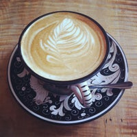 Foto tirada no(a) La Colombe Coffee Roasters por Matthew em 7/4/2012