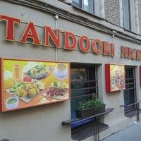 Снимок сделан в Tandoori Nights пользователем Zero L. 5/20/2012
