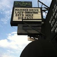 Foto tomada en The Viper Room por Dayle G. el 7/14/2012