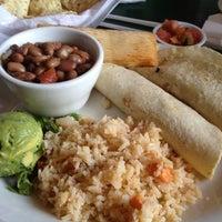รูปภาพถ่ายที่ Guero's Taco Bar โดย Steven B. เมื่อ 8/29/2012