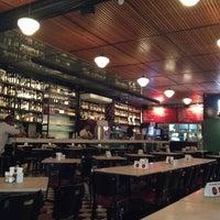 Das Foto wurde bei Bar Genial von Jon S. am 7/7/2012 aufgenommen