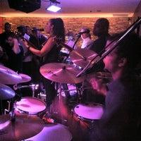 Photo prise au Alleycatz Live Jazz Bar par Roberto R. le8/14/2011