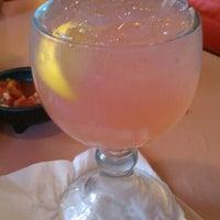Снимок сделан в Tequilas Cantina and Grill пользователем Alyssa C. 12/5/2011