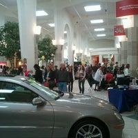 Foto tirada no(a) Tacoma Mall por Evan M. em 4/28/2012