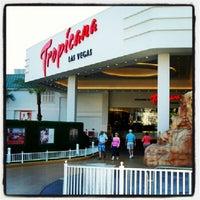 รูปภาพถ่ายที่ Tropicana Las Vegas โดย Xoxe G. เมื่อ 7/22/2012