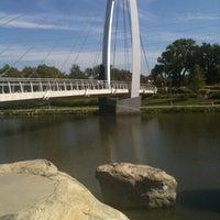 รูปภาพถ่ายที่ Exploration Place โดย Katelynn H. เมื่อ 9/10/2011