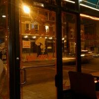 1/28/2012 tarihinde Renny B.ziyaretçi tarafından Paula & Monica's Pizzeria'de çekilen fotoğraf