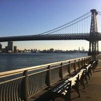 12/11/2011 tarihinde Cesar R.ziyaretçi tarafından East River Park'de çekilen fotoğraf