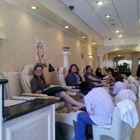 Снимок сделан в Costa Verde Nails пользователем Angela M. 3/9/2012